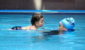 Babies' floats in a swimming pool